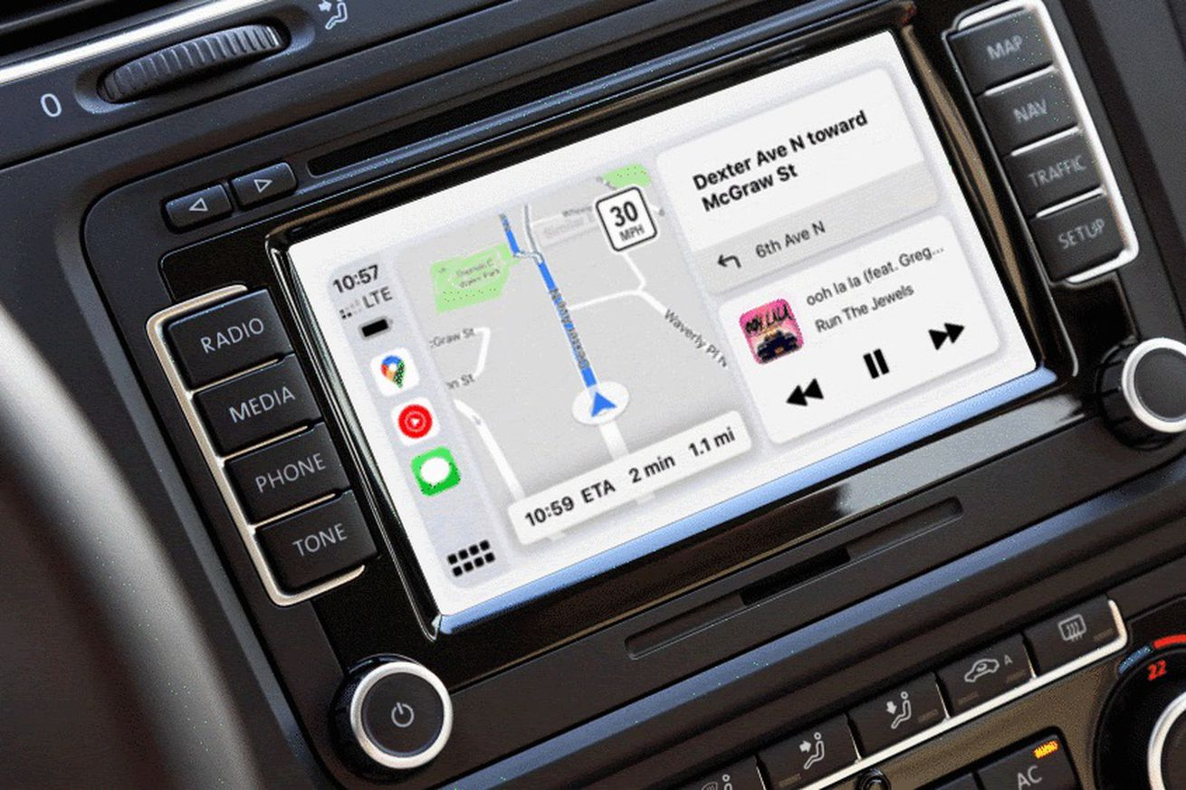 Google Maps finally works with CarPlay's excellent dashboard mode