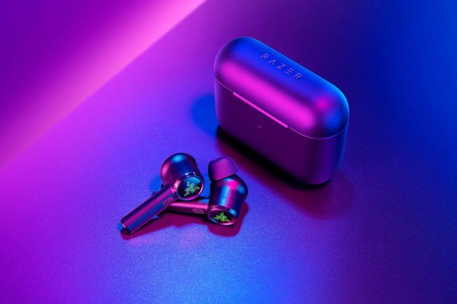 razer1.0 Razer's new true wireless earbuds have noise cancellation and low latency for mobile games | The Verge
