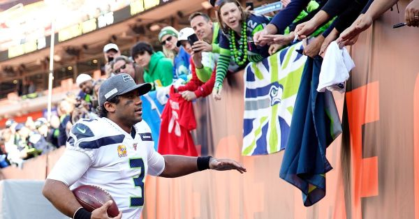Russell Wilson completes another comeback