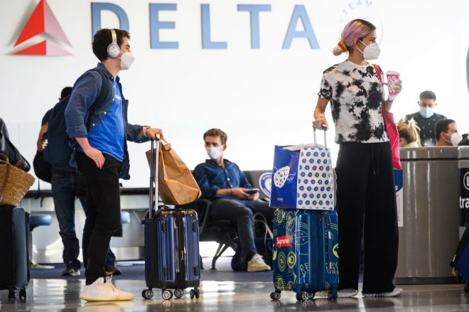 1284450539.0 US to require negative test from international travelers   The Verge