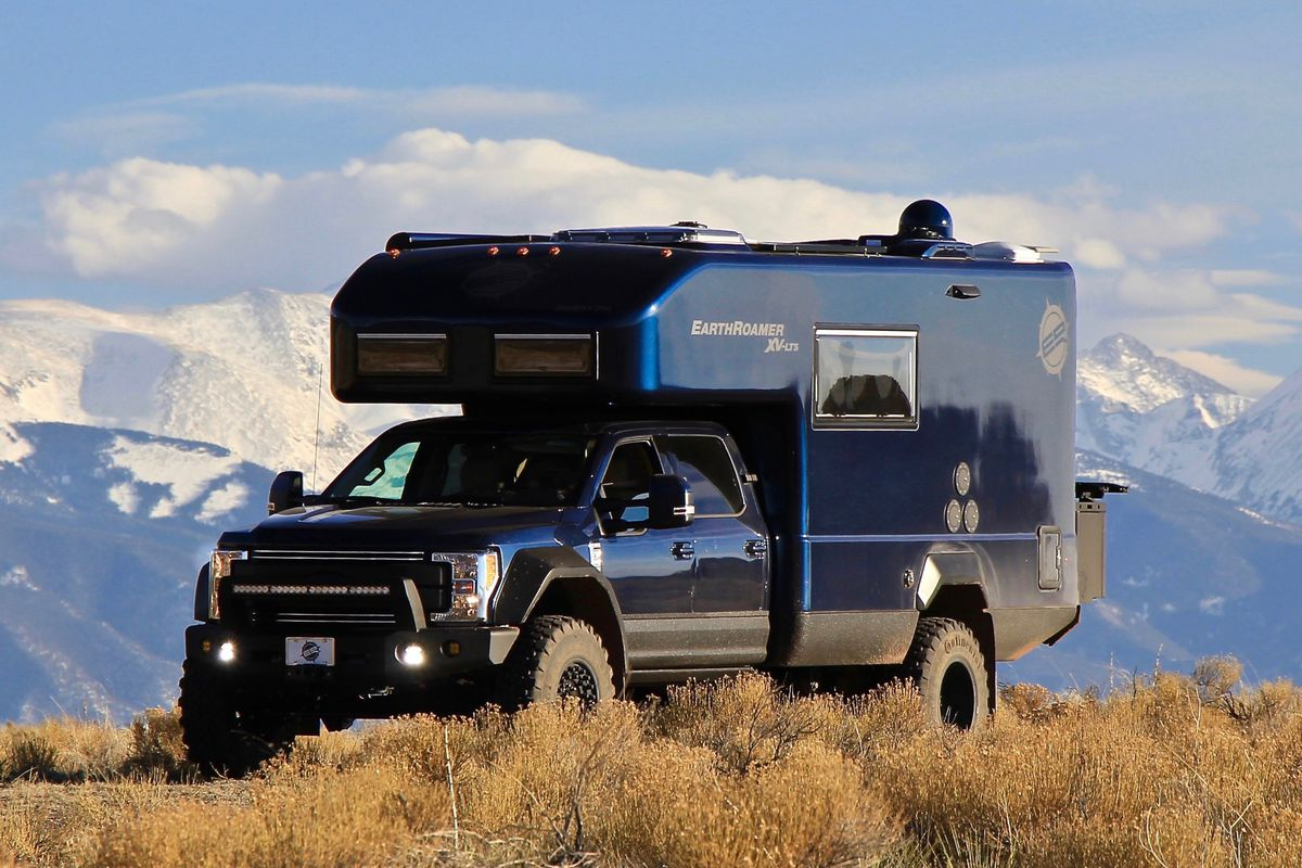Luxury Camper By Earthroamer Can Stay Off The Grid For