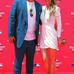 Hyun-Jin Ryu and wife Bae Jihyeon at the MLB Red Carpet Show.