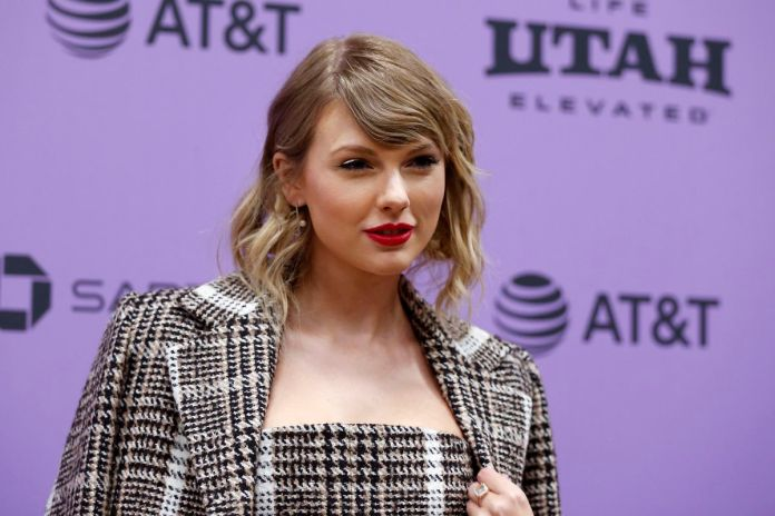Taylor Swift taylor - merlin 1112013 - Taylor Swift is back, more grounded than any time in recent memory taylor - merlin 1112013 - Taylor Swift is back, more grounded than any time in recent memory