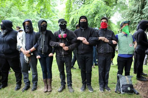 George Floyd protests: the counter-protesting group Antifa, explained - Vox