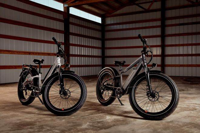 RoverFarmer_754.0 The new RadRover is Rad Power Bikes' first e-bike with an integrated battery   The Verge