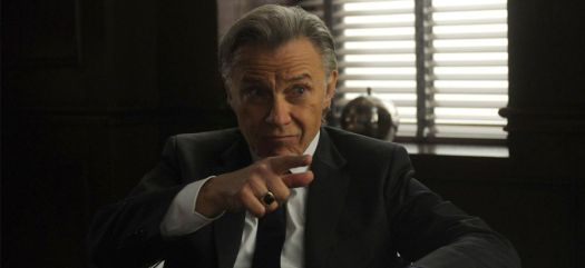 Harvey Keitel pointing a finger in Lansky