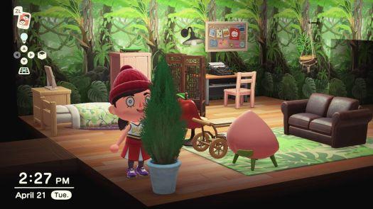 Simone's avatar gawking at a plant.