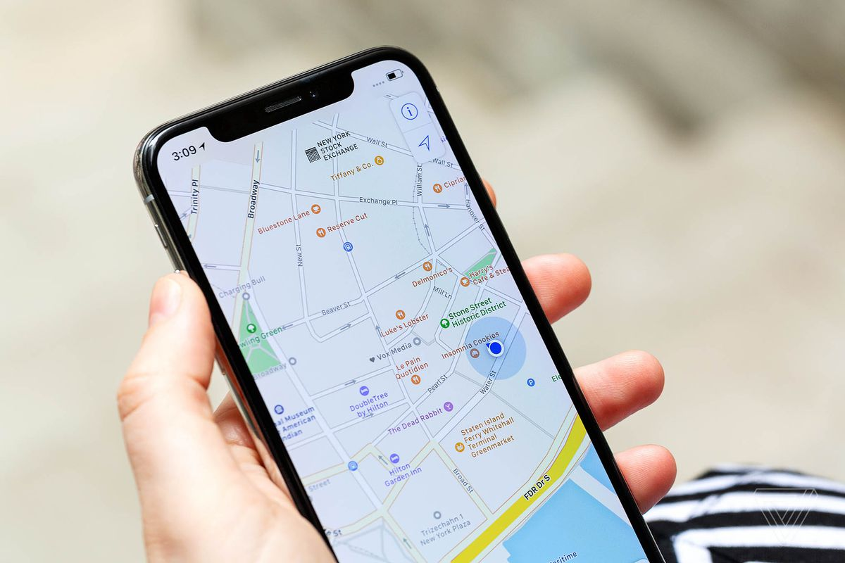 Google Maps location sharing now also shares your phone s battery     Photo by Amelia Holowaty Krales   The Verge