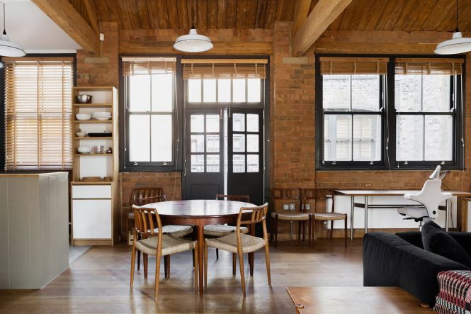 Victorian Warehouse Turned Apartment Is Surprisingly Cozy