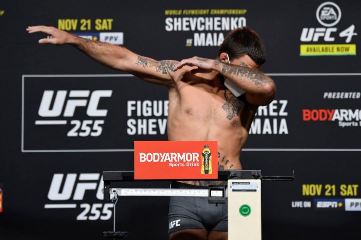 UFC 255 video: Mike Perry dabs after badly missing weight for Tim Means  fight - Bloody Elbow