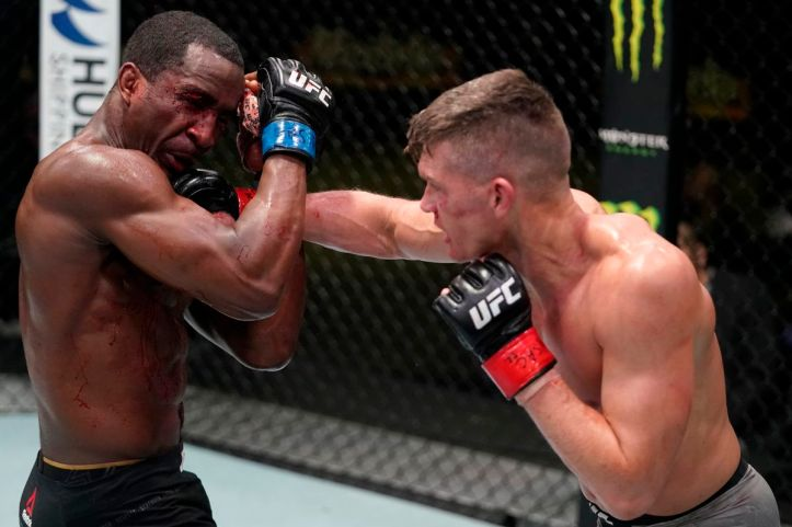 Disrespected once again by the bookies, Wonderboy out-classed Geoff Neal over five rounds | UFC 264