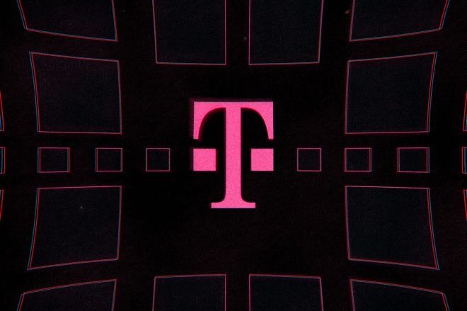 acastro_191108_1777_t-mobile_0001.0.0 T-Mobile launches long-promised 5G home internet service   The Verge
