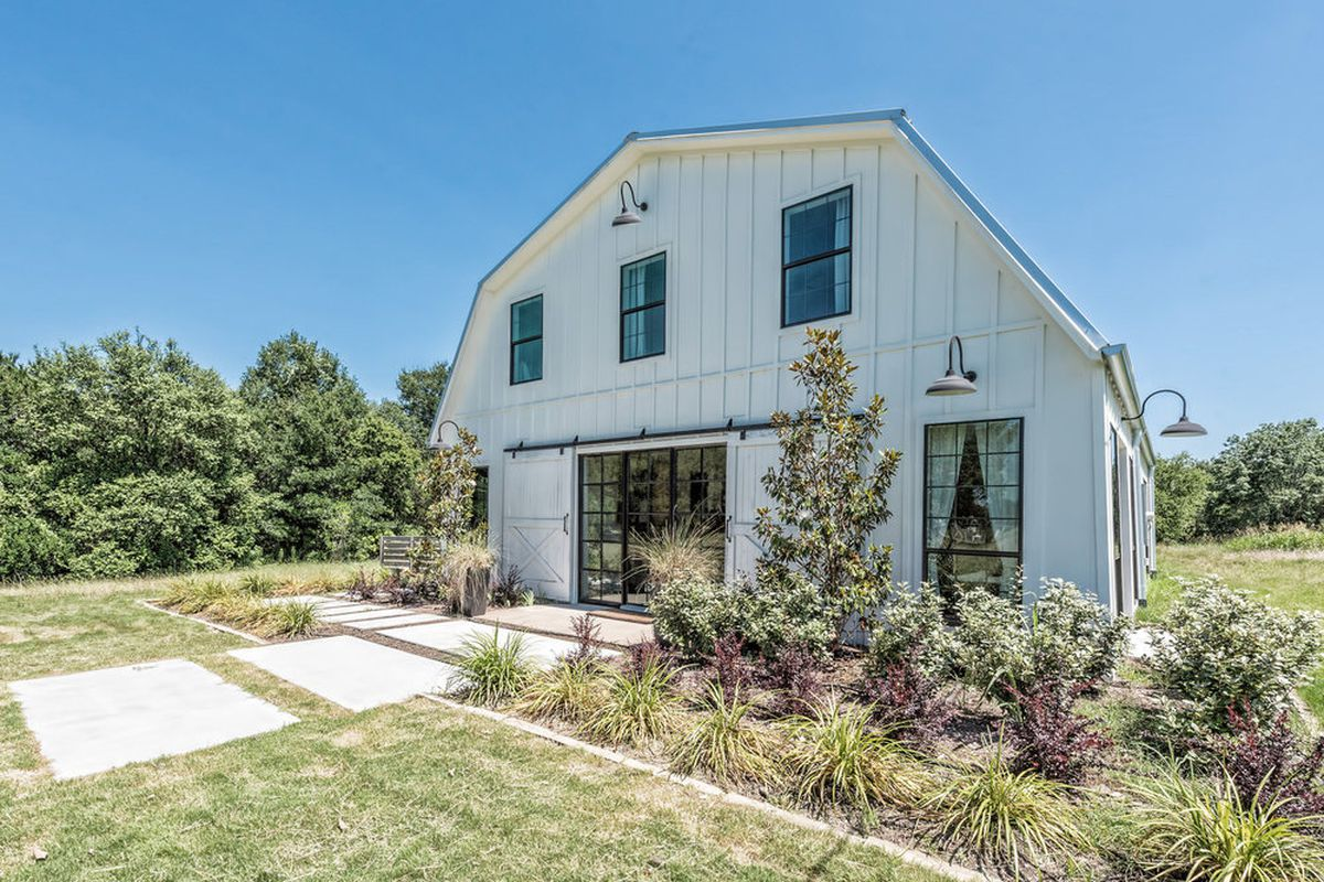 Fixer Uppers Barndominium On The Market For 12M Curbed