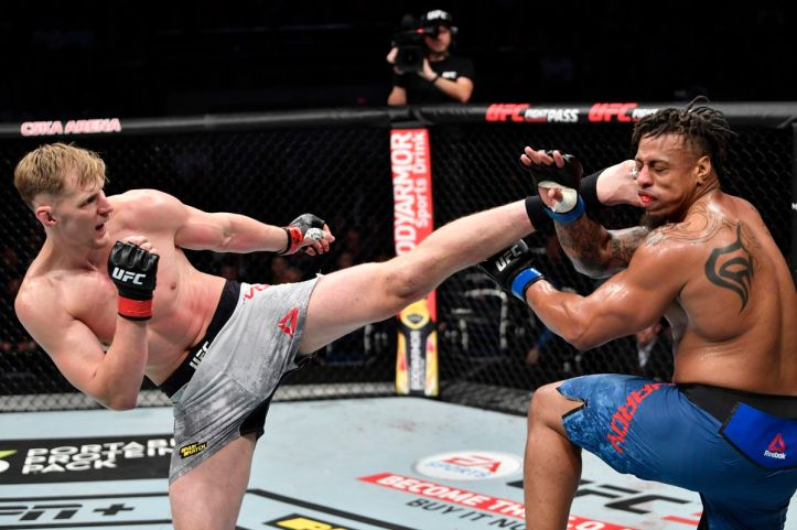UFC Moscow results: Alexander Volkov out strikes Greg Hardy to win ...