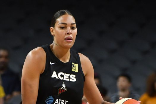 Liz Cambage faces former team while Liberty travel to ...