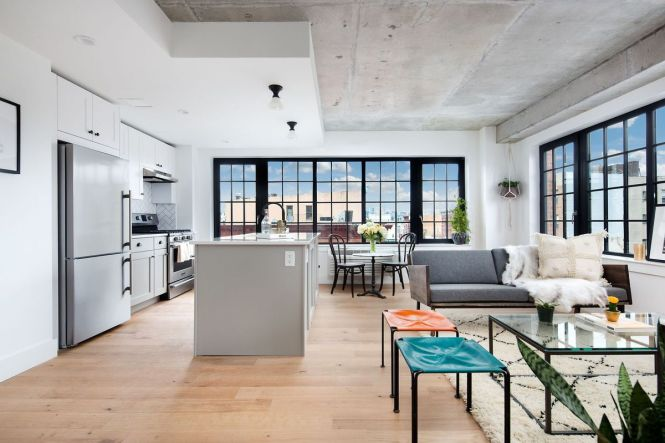 A Loft Like Two Bedroom Bathroom Apartment On Grand Street In Williamsburg Can Be Yours For 4 215 Month The E Mi And Contemporary