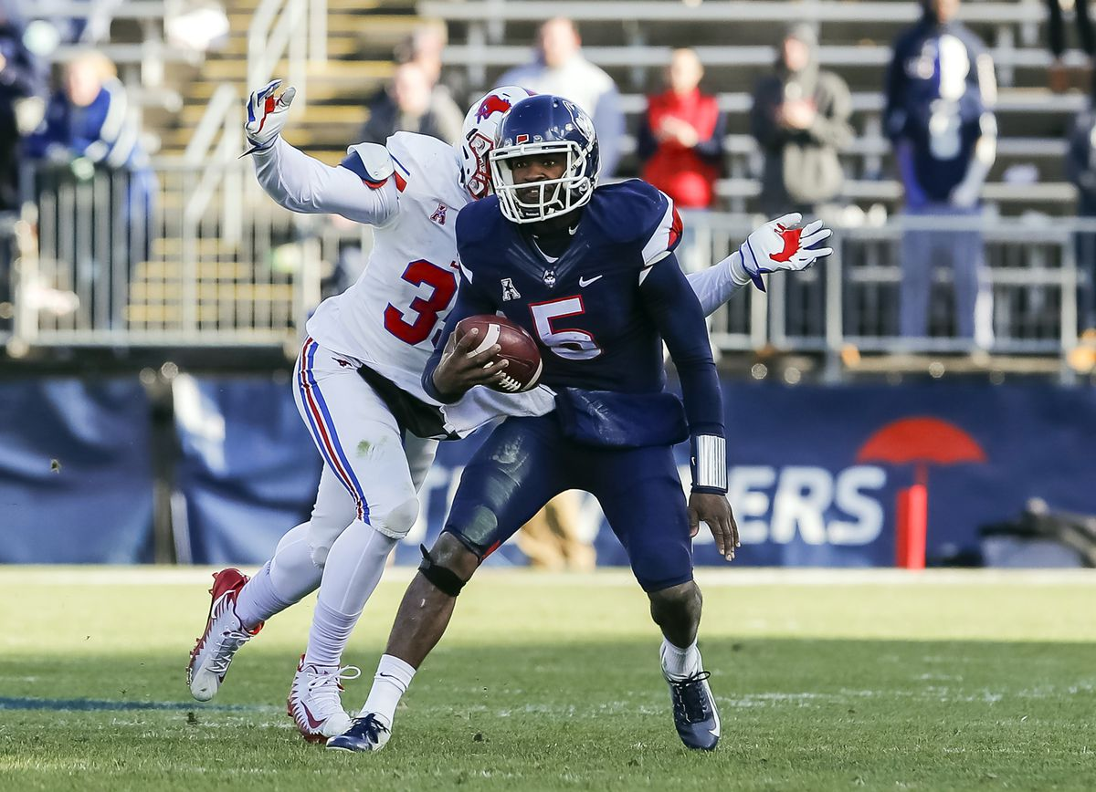 Football NCAA: Southern Methodist at Connecticut