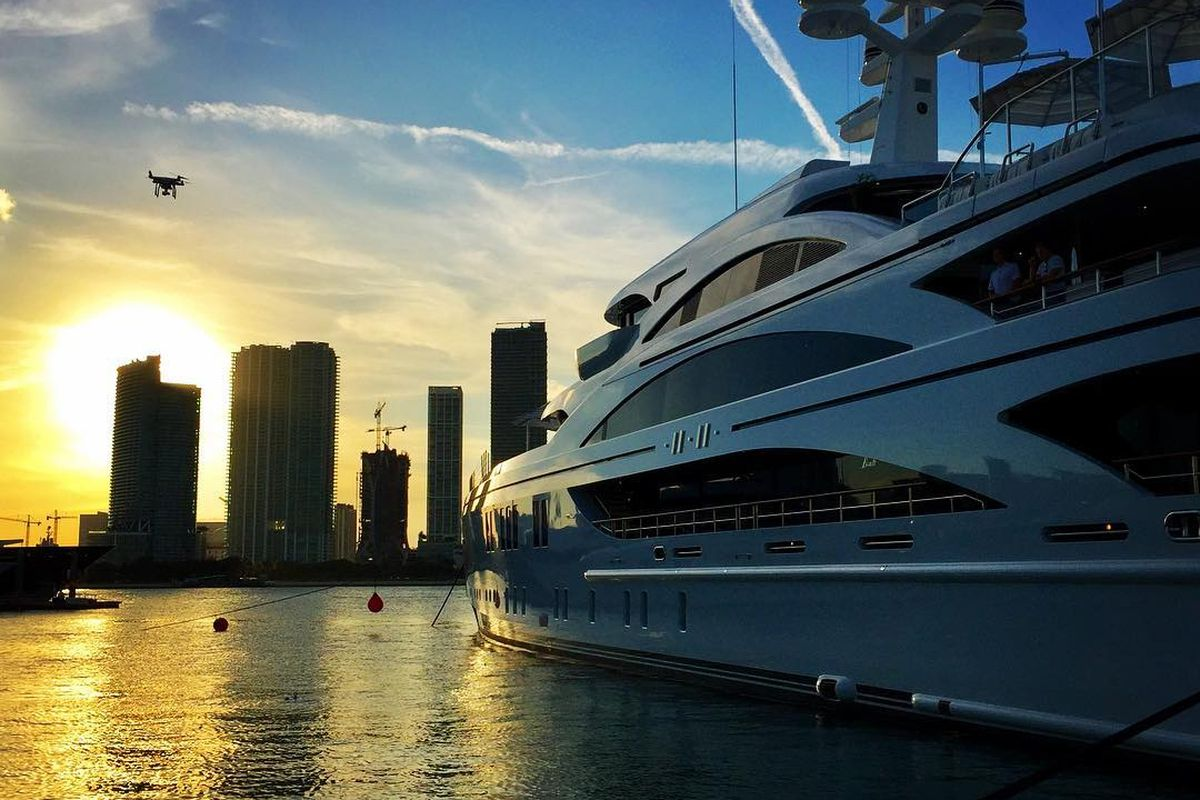30 Photos From The Miami Boat Show And Yachts Miami Beach