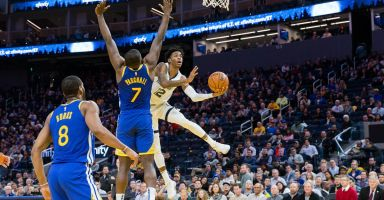 Warriors' potential winning streak gets doused by the Grizzlies, 110-102