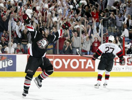 Crownless Kings: Remembering the 2005-2006 Buffalo Sabres - Die By The Blade