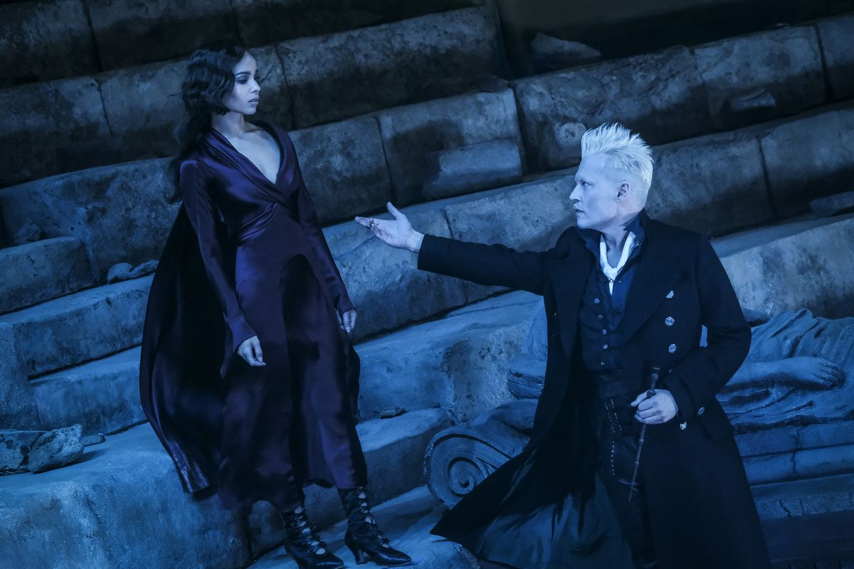 Zoë Kravitz as Leta Lestrange and Johnny Depp as Gellert Grindelwald in Fantastic Beasts: The Crimes of Grindelwald