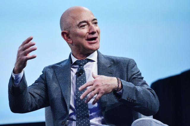 Imagini pentru Jeff Bezos