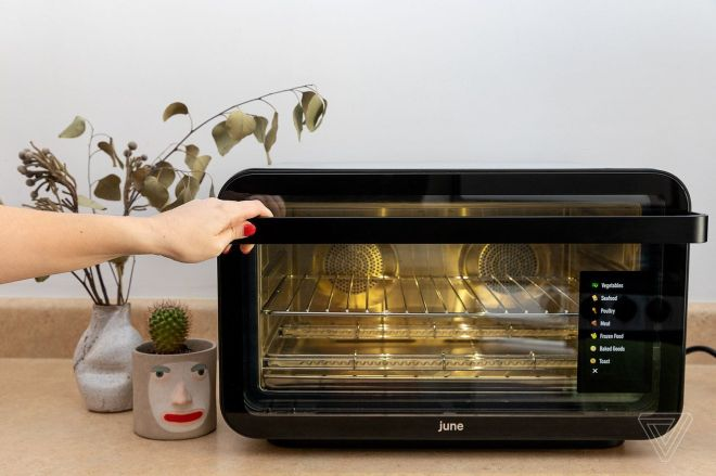 akrales_190131_3100_0071.0 Weber buys smart oven company June | The Verge