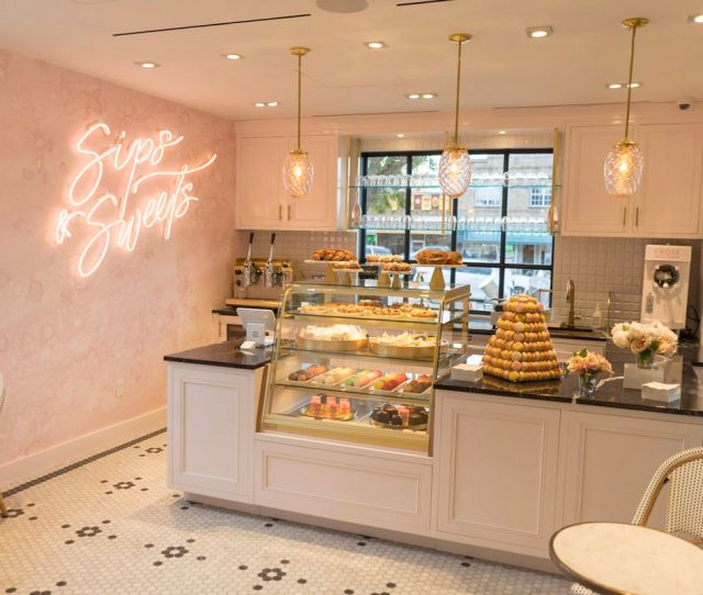 Inside Kendra Scotts Cafe Sips Sweets Kendra Scott Official