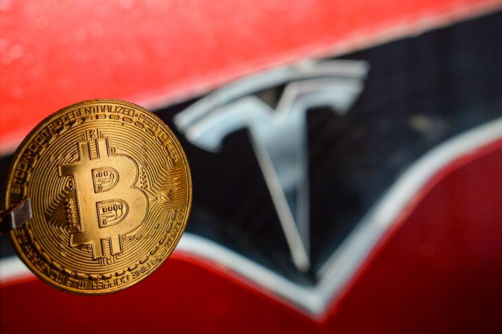 Tesla Buys USD 1.5 Billion In Bitcoin