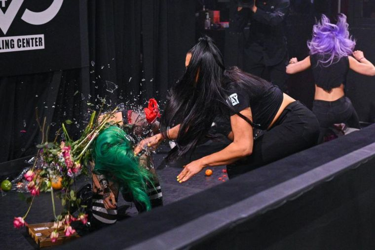 NXT highlights: Women's Tag title chaos, LDF stands tall, more!