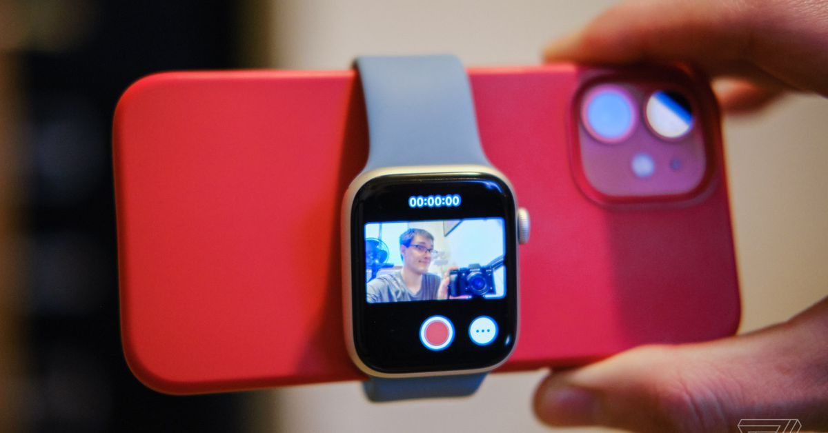 Today I learned your Apple Watch can double as a vlogging viewfinder