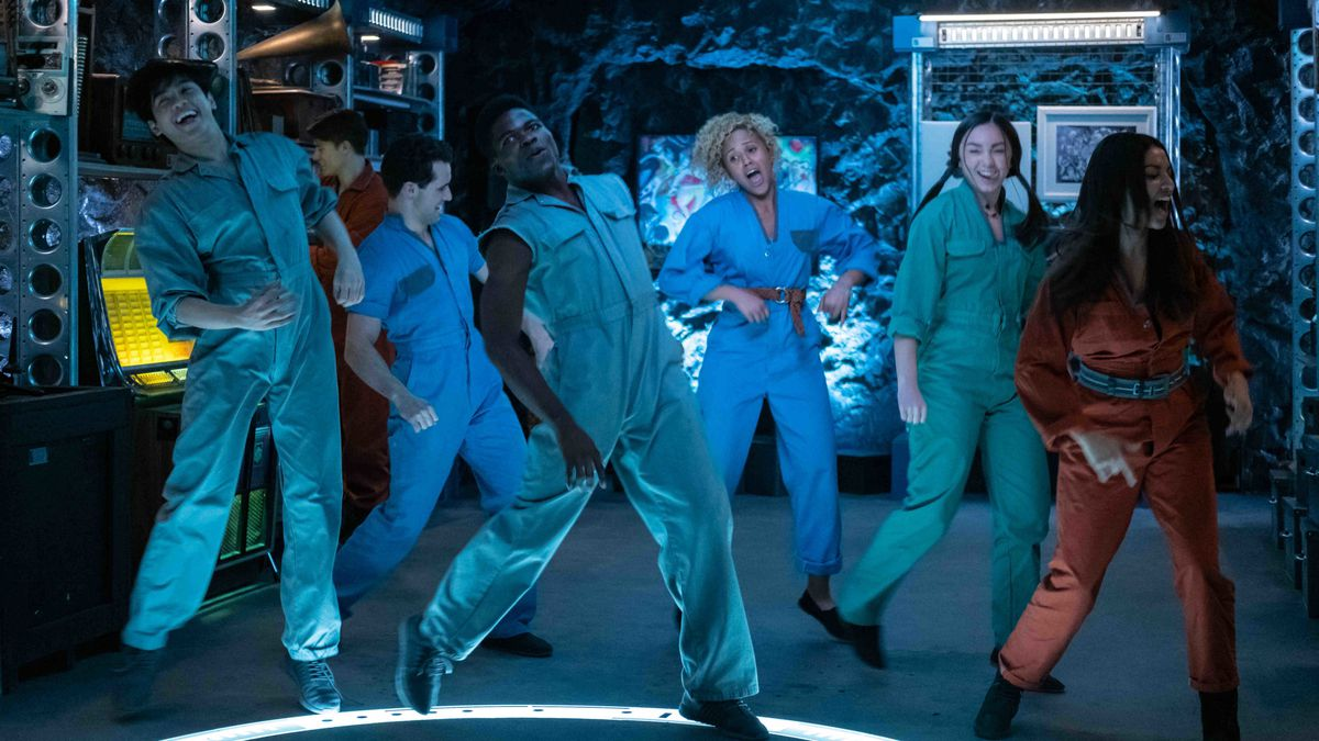 Utopia Falls review: The Hunger Games meets Glee in Hulu's ...