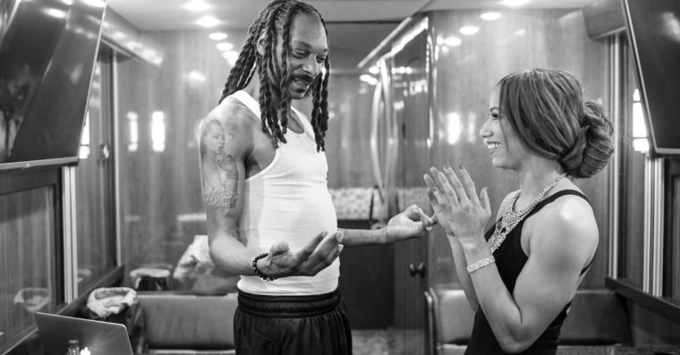 Sasha Banks was not impressed with Snoop Dogg's dive in AEW