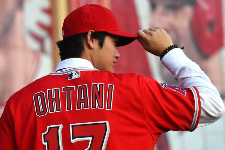 Shohei Ohtani introduced himself to Angels fans in the ...