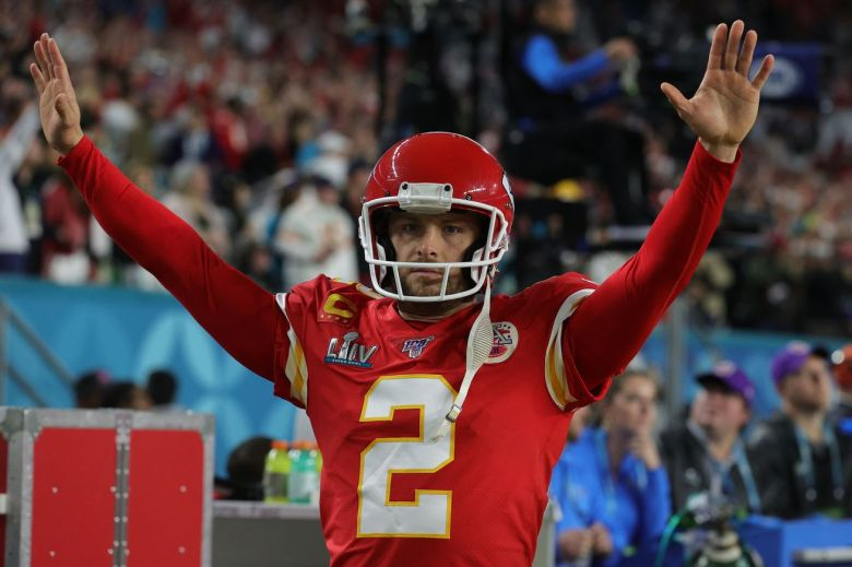 Former Chiefs punter Dustin Colquitt signed to Falcons practice squad