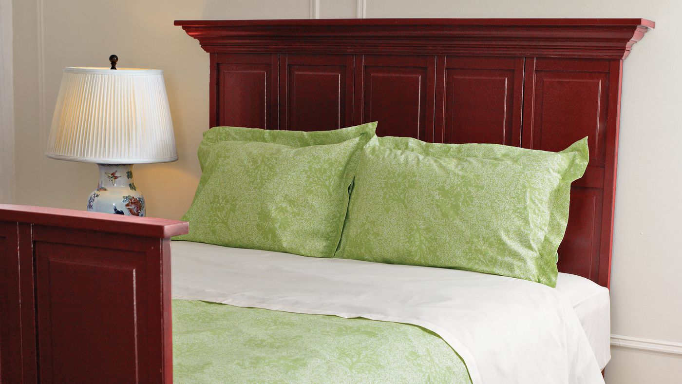 to build your own bedroom furniture