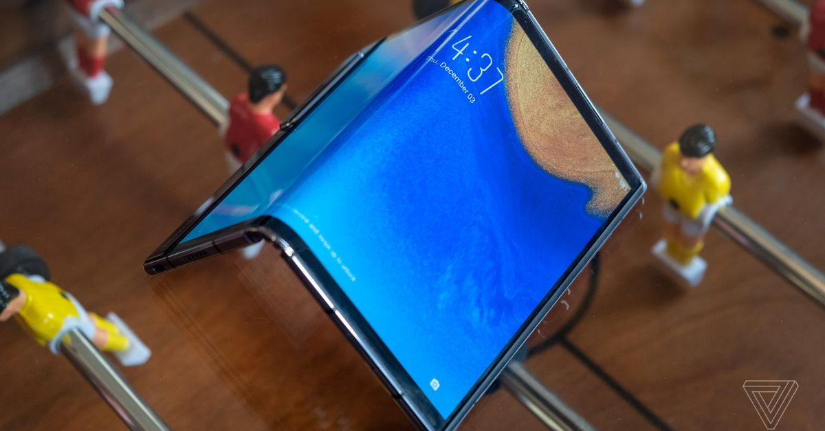 Royole returns with a better folding phone