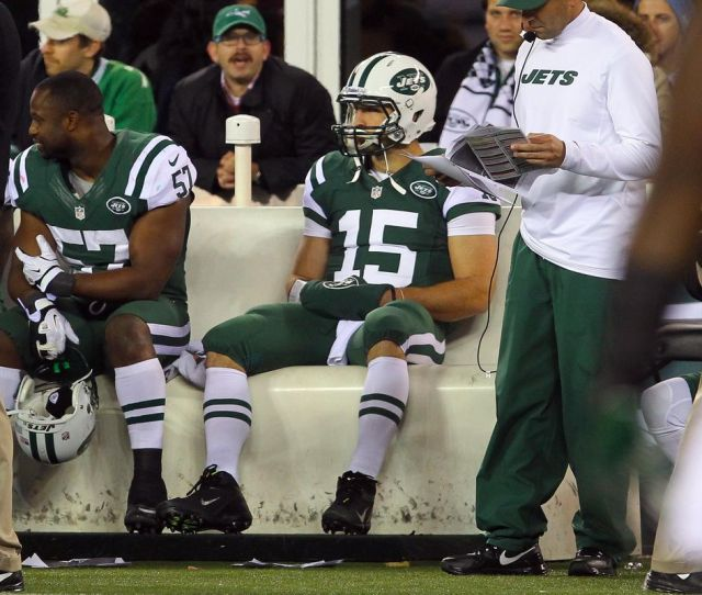 Tim Tebow Rides The Bench In Dicks Sporting Goods Display Prank