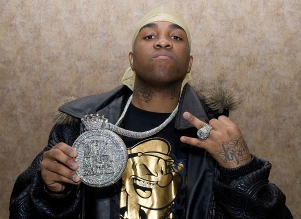 "Mike Jones trends after random guy spits rapper's ""Still Tippin'"" verse - REVOLT"
