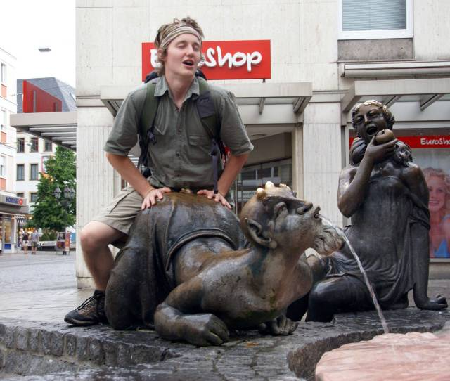 13 Pics That Prove Were Not Above Posting Photos Of People Having Sex With Statues