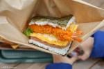 沖繩美食-豬肉蛋飯糰本店-美國村人氣早餐配無敵海景Onigiri Breakfast