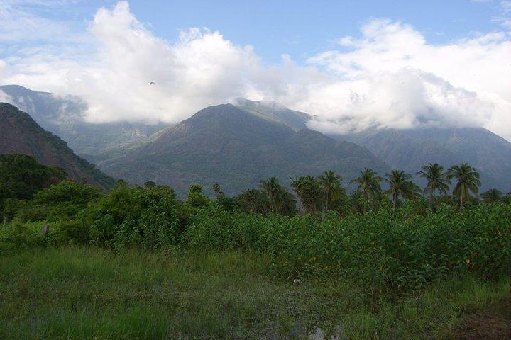 https://i2.wp.com/cdn.walkthroughindia.com/wp-content/uploads/2012/10/Nature-at-western-ghats.jpg