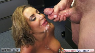 Brown haired Richelle Ryan gets facialized in the thumb