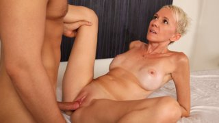 Massage_turns_to_hot_fuck_for_amateur_cougar thumb
