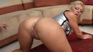 Booty MILF Velicity Von hardcore drilled in all her_fucking holes with extra big dick thumb