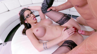 Dava Foxx spreads her legs to get her hungry pussy pounded thumb