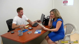 Hot blonde milf simulating actual conditions to test the hidden camera thumb