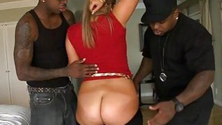 Curvy babe cant live without coarse sex games thumb