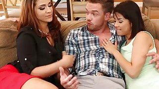 Handsome bf bangs with gf Penelope and mom Raquel thumb