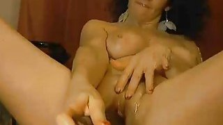 Brunette sexy milf toying and squirting on webcam thumb
